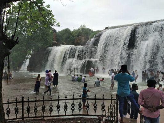 Экскурсия на водопад Тхирпараппу
